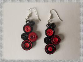 Bijoux boucles d oreille quilling cercles serres rouge et noir 02