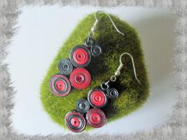 Bijoux boucles d oreille quilling cercles serres rouge et noir loisirs creatifs loisirs creatifs 01 1