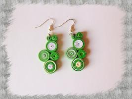 Bijoux boucles d oreille quilling cercles serres vert et blanc loisirs creatifs 02