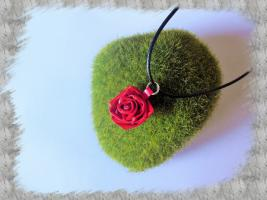Bijoux pendentif et collier quilling loisirs creatifs rose 3