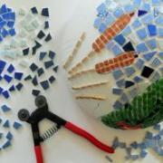 Boule mosaique deco de jardin 25 cm grenouille en cours de realisation 1