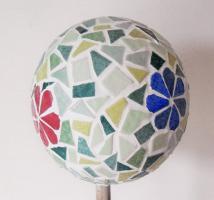 Boule mosaique deco de jardin fleurs 1