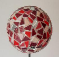 Boule mosaique deco de jardin rouge 1