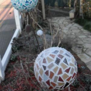 Boule mosaique deco de jardin tuteur hiver gel loisirs creatifs eugenie