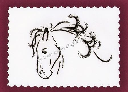 Broderie sur papier carte a broder loisirs creatifs tete de cheval prune violet