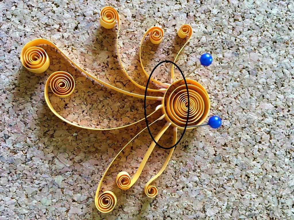 Colle tentacule pieuvre bande papier quilling paperole jaune