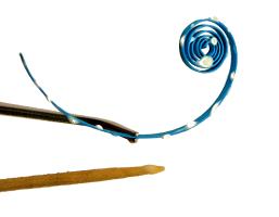 Coller la tranche bande papier quilling paperole spirale ouverte arabesque