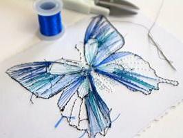 Envers papillon bleu fil carte a broder broderie sur papier noeud loisir creatif eugenie