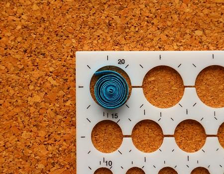 Epouser la forme d un gabarit cercle quilling loisirs creatifs 01