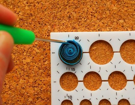 Epouser la forme d un gabarit cercle quilling loisirs creatifs 02