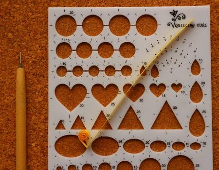 Gabarit coeur quilling loisirs creatifs enrouler 1 cote