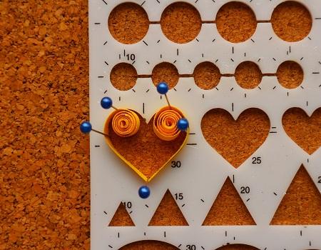 Gabarit coeur quilling loisirs creatifs mettre 5 epingles
