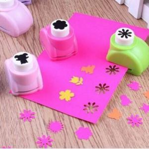 Mini perforatrice fleur 6 petales loisirs creatifs eugenie 03