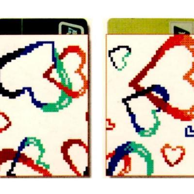 Porte carte point de croix point compte loisirs creatifs coeurs sur fond blanc