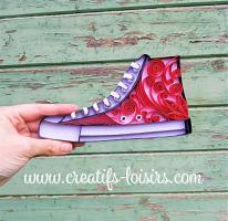 Quilling chaussure converse rouge annees 80 retro vintage design bande papier roule paperolle loisir creatif eugenie art