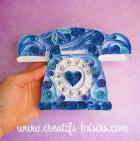 Quilling telephone cadran bleu bande papier roule main art paperolles loisirs creatifs eugenie annees 80 retro vintage spirale arabesque design