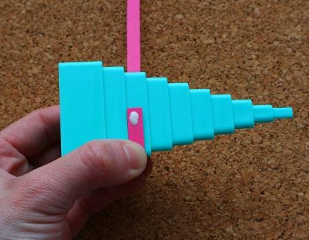 Utiliser une tour quilling triangle loisir creatif 02